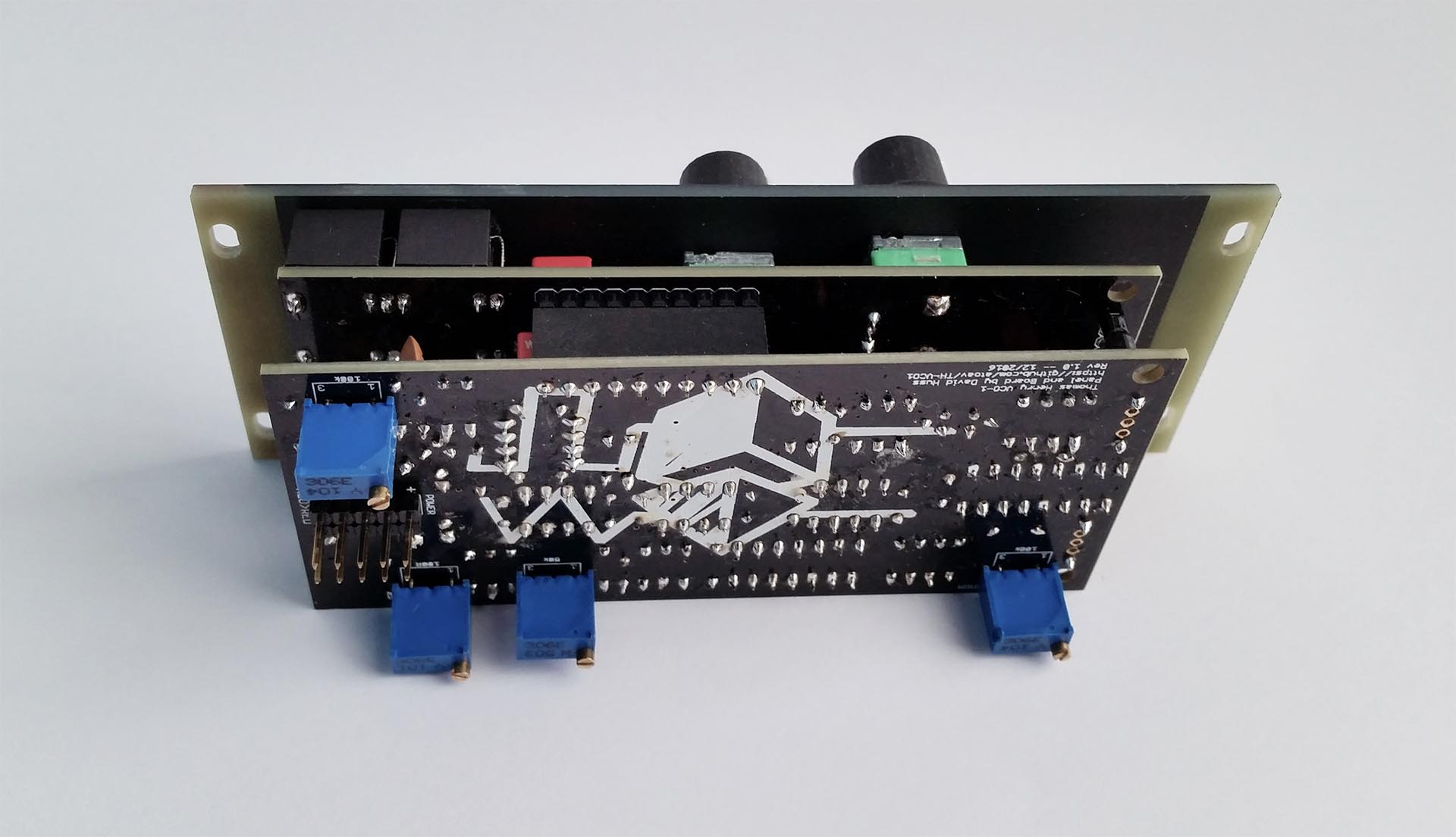 th-vco1/Pictures/th-vco-1_3.jpg